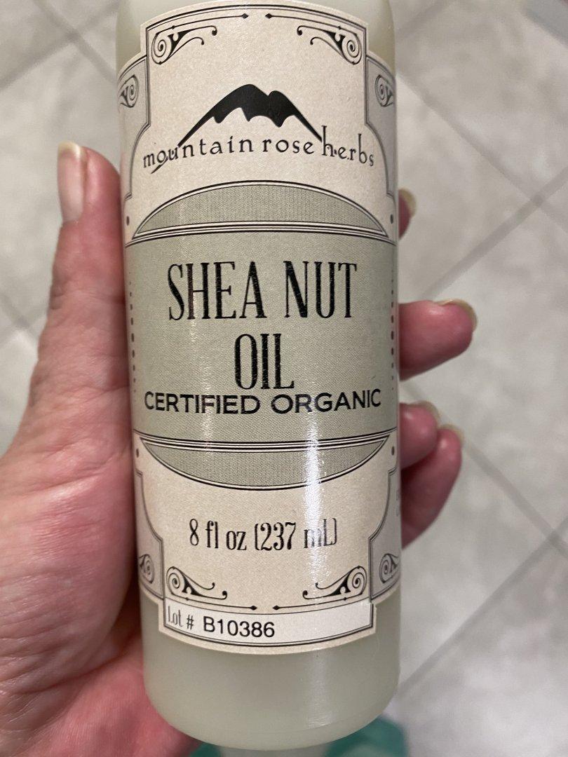 shea nut oil.jpg