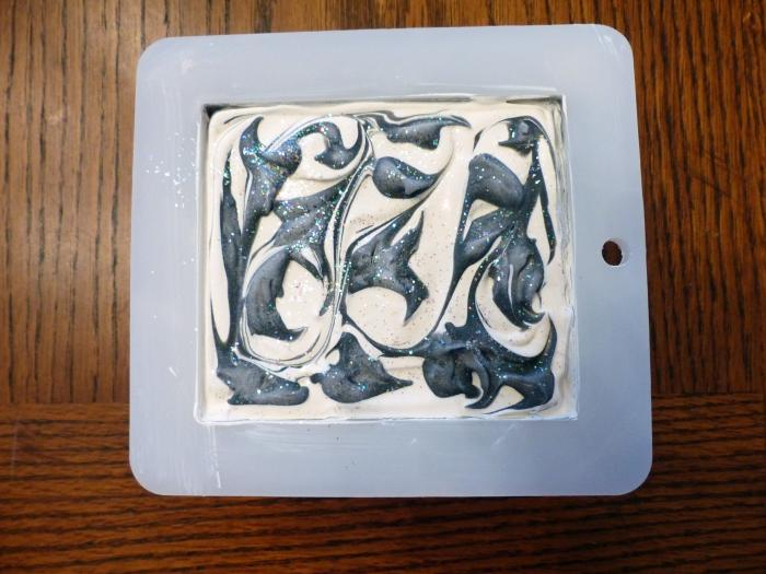 SOAP BLACK AND WHITE IN MOLD USE.jpg